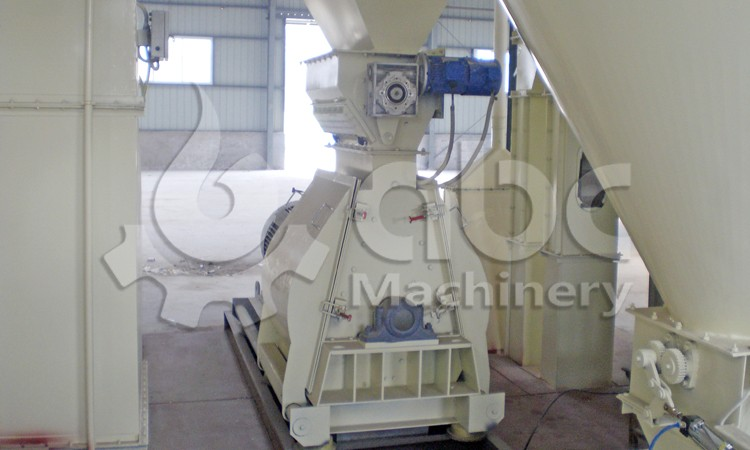 chicken feed plant crushing section